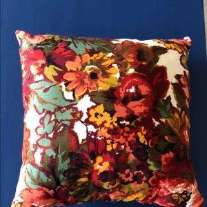 Other - Flower throw pillow